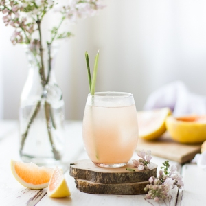 grapefruit sake cocktails with ginger and lemongrass - lede-1